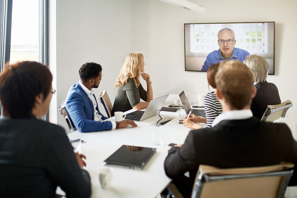 Enterprise video streaming to boost employee engagement (3 tips)